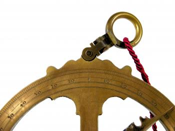 The hinge of the astrolabe.