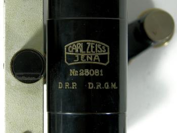 The serial number of the Carl Zeiss Nivellier III indicates it was made around 1932.
