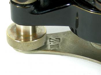 "The ""Z.W."" inventory number on the base of the Carl Zeiss Nivellier III."