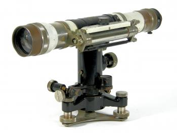 The Carl Zeiss Nivellier III is a reversion level.