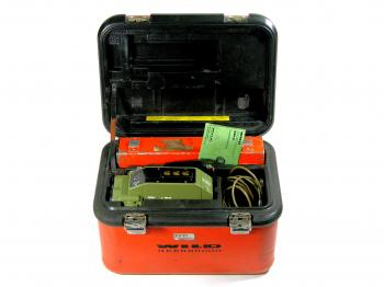 The Wild DI4 Distomat came with its original case, quick start manual, cables, and battery.