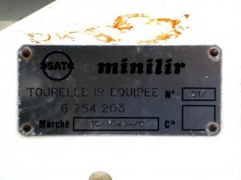 Close-up of the SAT label showing the instrument's name Minilir and serial number 17.