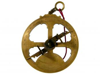 The 1580s mariner's astrolabe (reproduction).