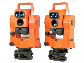 The two Geodimeter System 400 total stations.