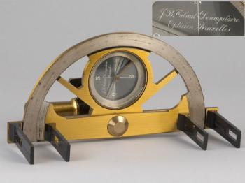 A graphometer signed by Tibaut Desimpelaere (not in the collection).